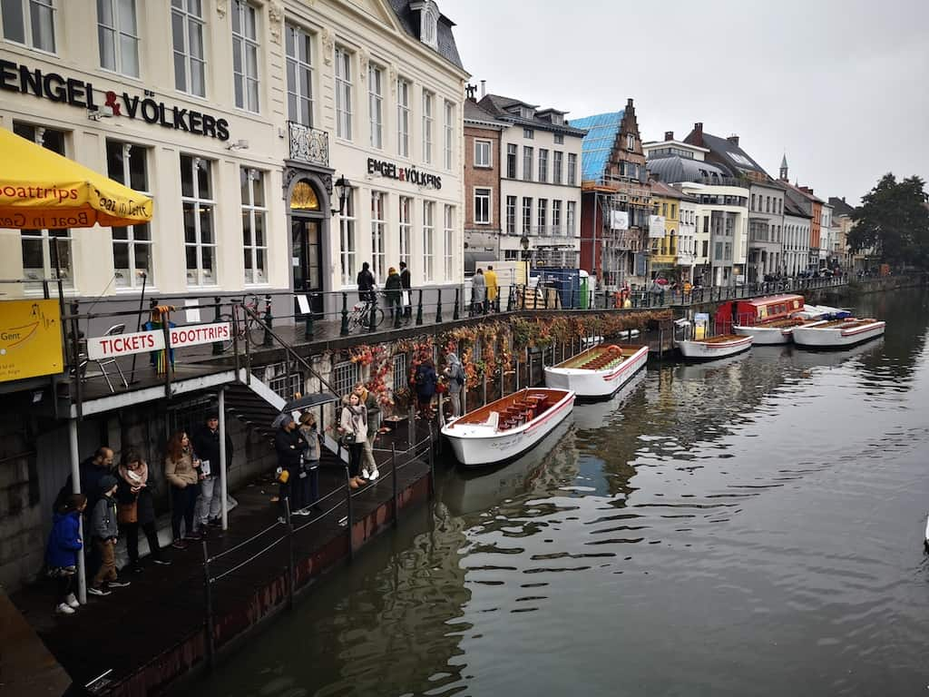 Waiting in line for a boat tour, Ghent