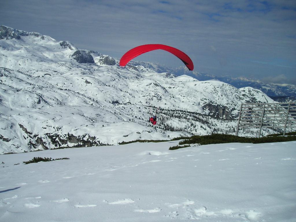 Paragliding in Krippenstein: the longest ski run in Upper Austria