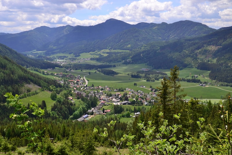 lovely views over the valley while hiking around Grüner See