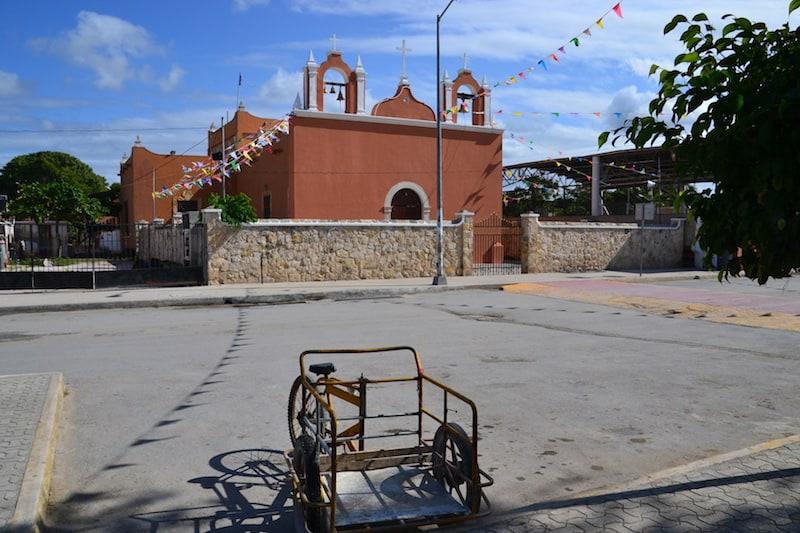 Iglesia Catolica in Celestun