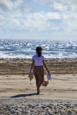 girl facing the ocean in Gran Canaria